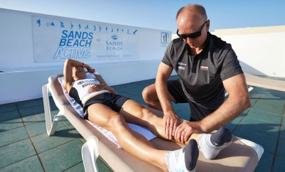 last minute prep for Corinne at Ironman Lanzarote 2014 with Alex Drummond